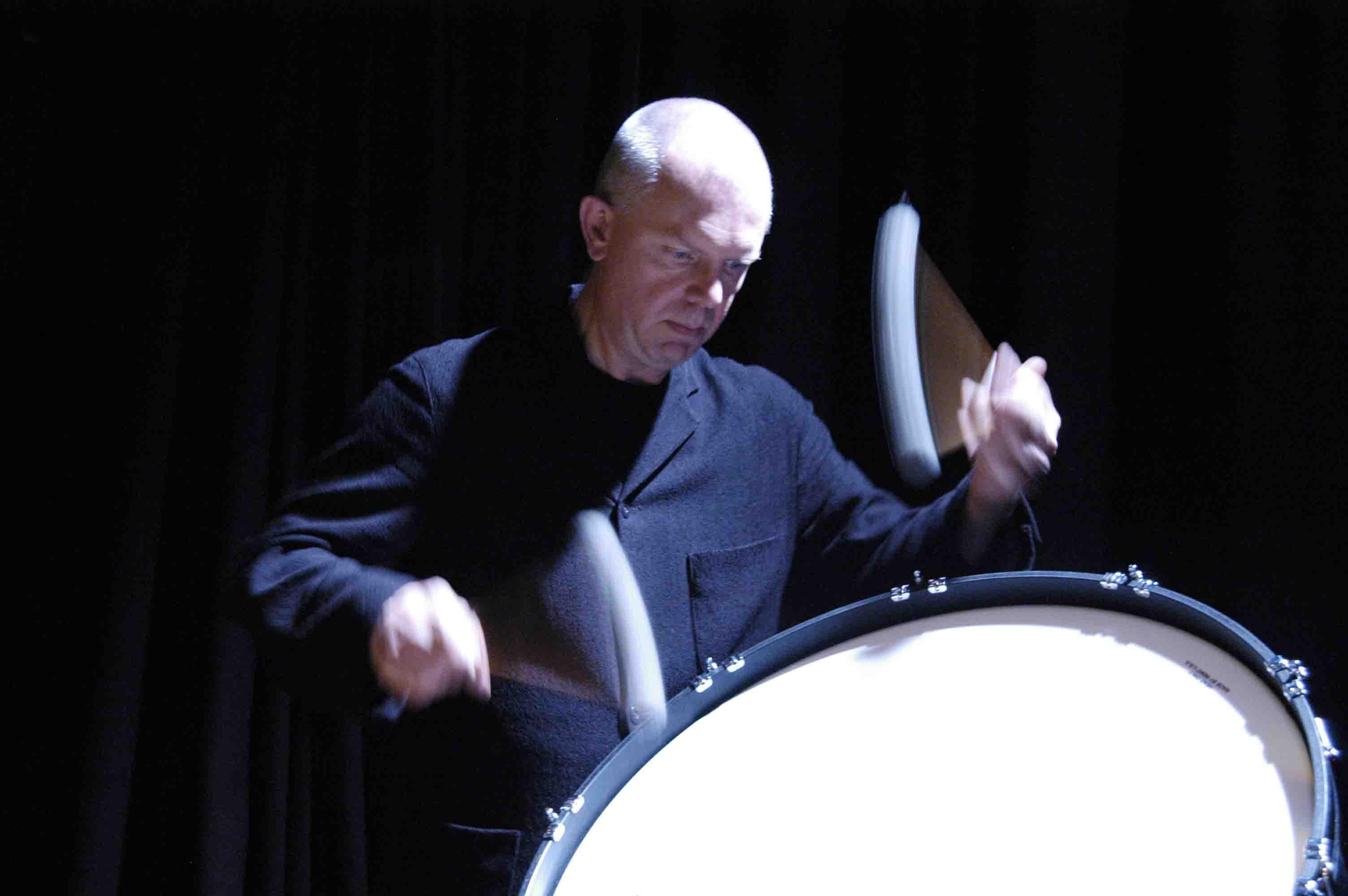 Hauser: Different Beat